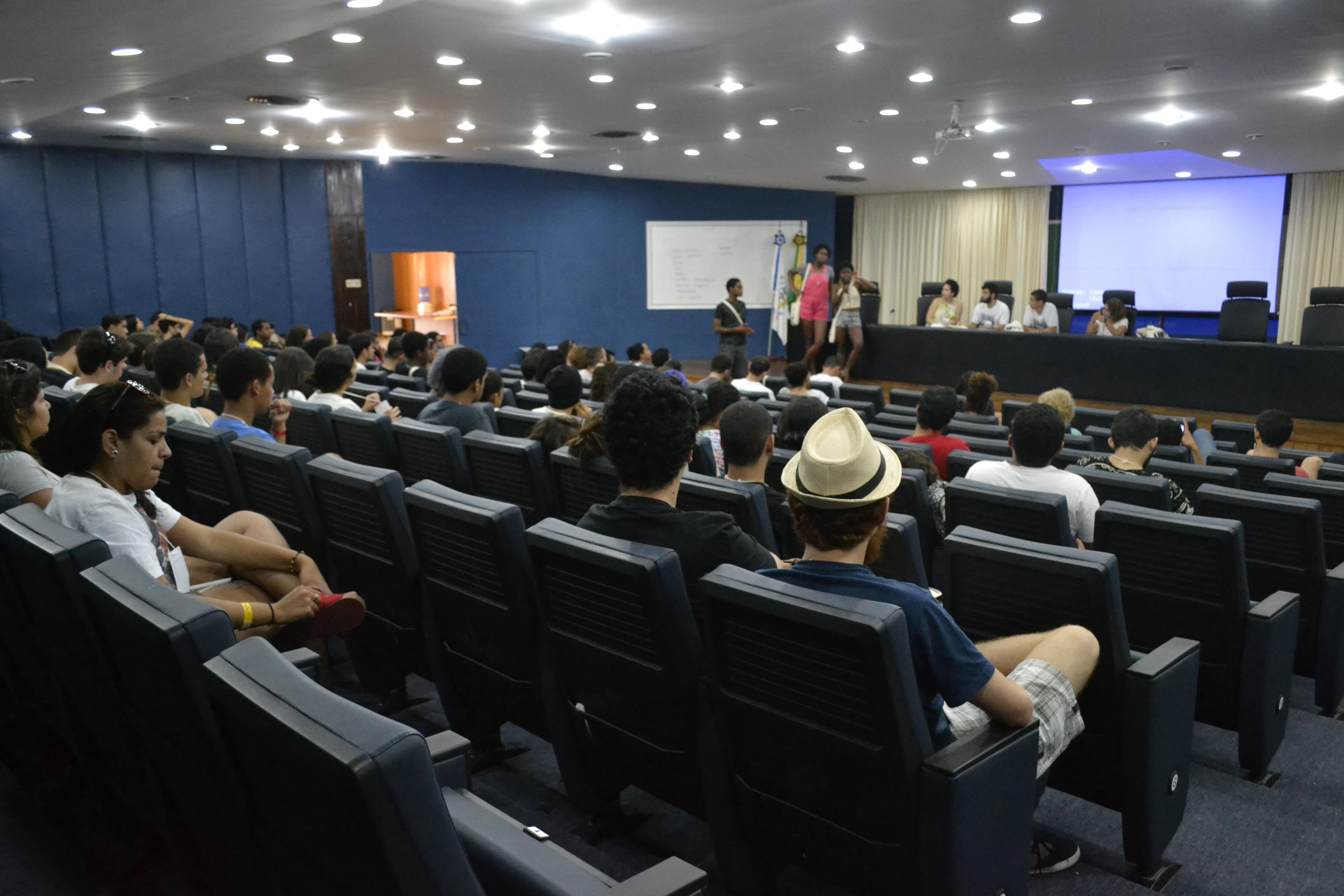 Estudantes de todo o país se reuniram para debater movimento estudantil. (Letycia Nascimento/PROGRAD)