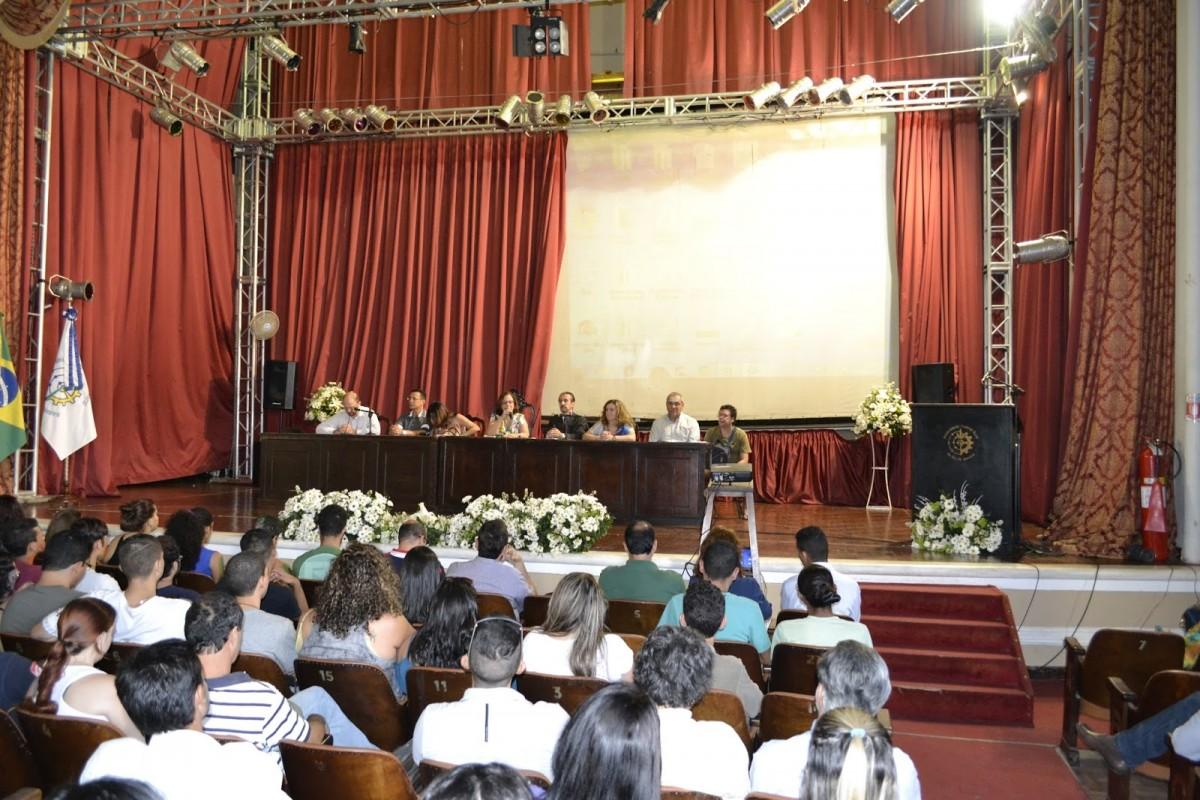 Administração Central deu boas-vindas aos calouros no Gustavão