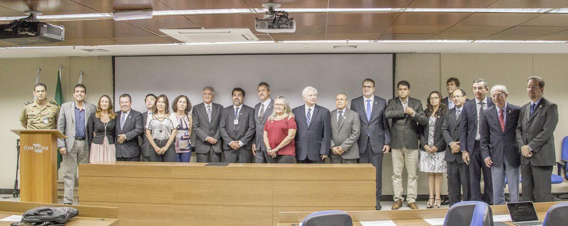 Pró-Reitora Adjunta de pesquisa Lúcia dos Anjos participa do lançamento do projeto – Foto: Fabio Reynol